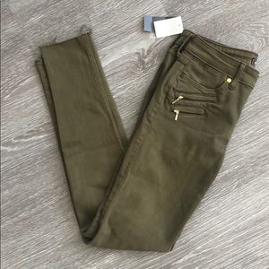A&F super skinny jeans olive green size 25